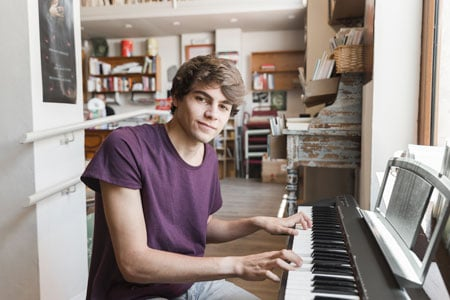 cours-piano-jeune-adulte-lyon-villeurbanne